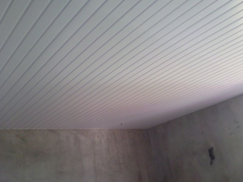 Faux plafond construction de notre cocon familial en for Faux plafond blanc